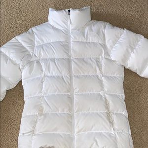 women's white north face coat
